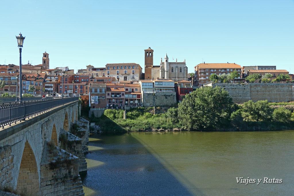 Puente de Tordesillas sobre el río Duero, Valladolid