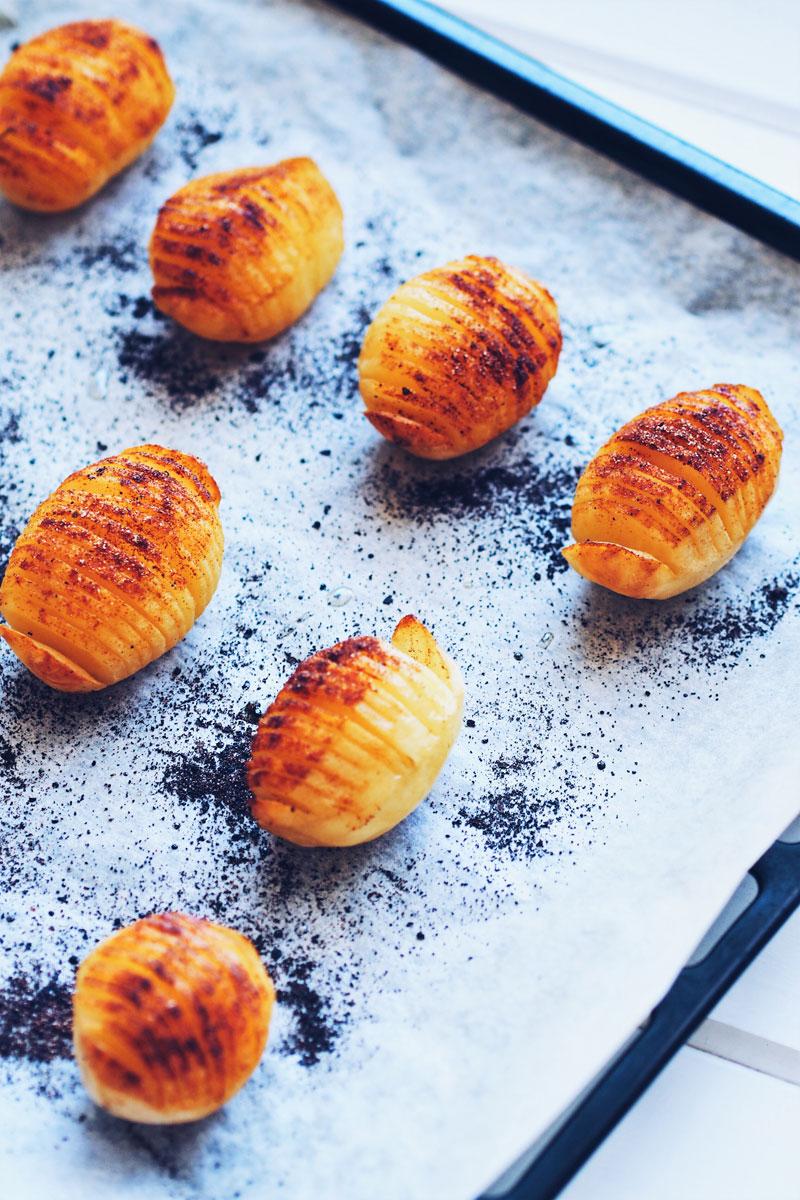 Ziemniaki hasselback.