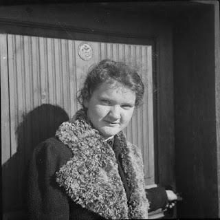 Foto einer jungen Frau - 1930-1950