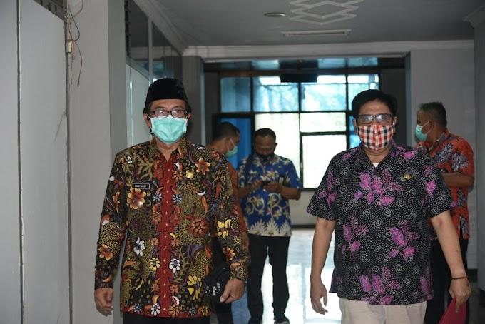 Plt Bupati Bersama  Sekda Kabupaten Jember Hadir Penuhi Undangan Dewan  Untuk Pembahasan APBD .