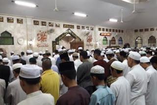 Alhamdulillah kita masih sanggup berjumpa kembali dengan bulan suci Ramadhan bulan yang penu Keutamaan Shalat Tarawih Dan Hukum Shalat Tarawih Berjamaah