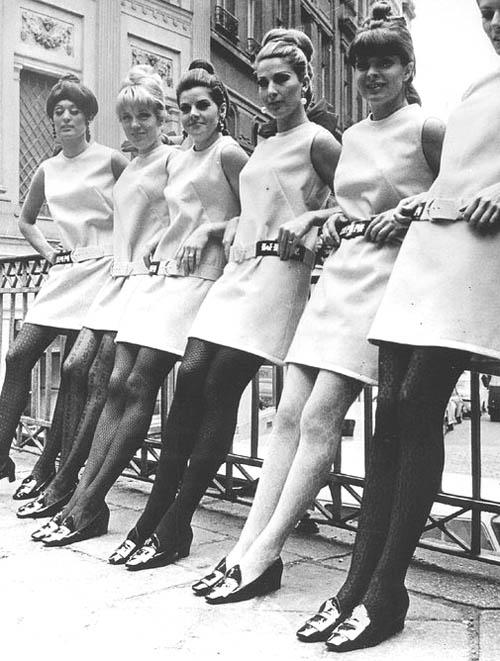 sepatu panrofel wanita tahun 1960