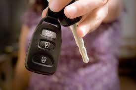 cara aman kredit mobil, cara aman membeli mobi secara kredit