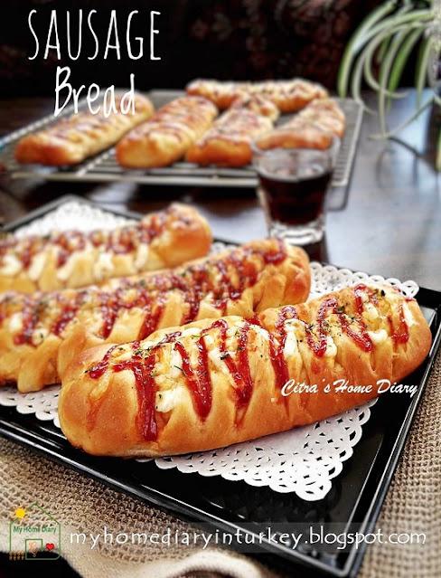 Bakery style Sausage Roll Bread / Resep Roti Sosis a la bakeri | Çitra's Home Diary. #sausagebread #sausageroll #sausagebreadroll #breakfast #brunch #picnicmenuidea #reseprotisosis #sosislipogaca