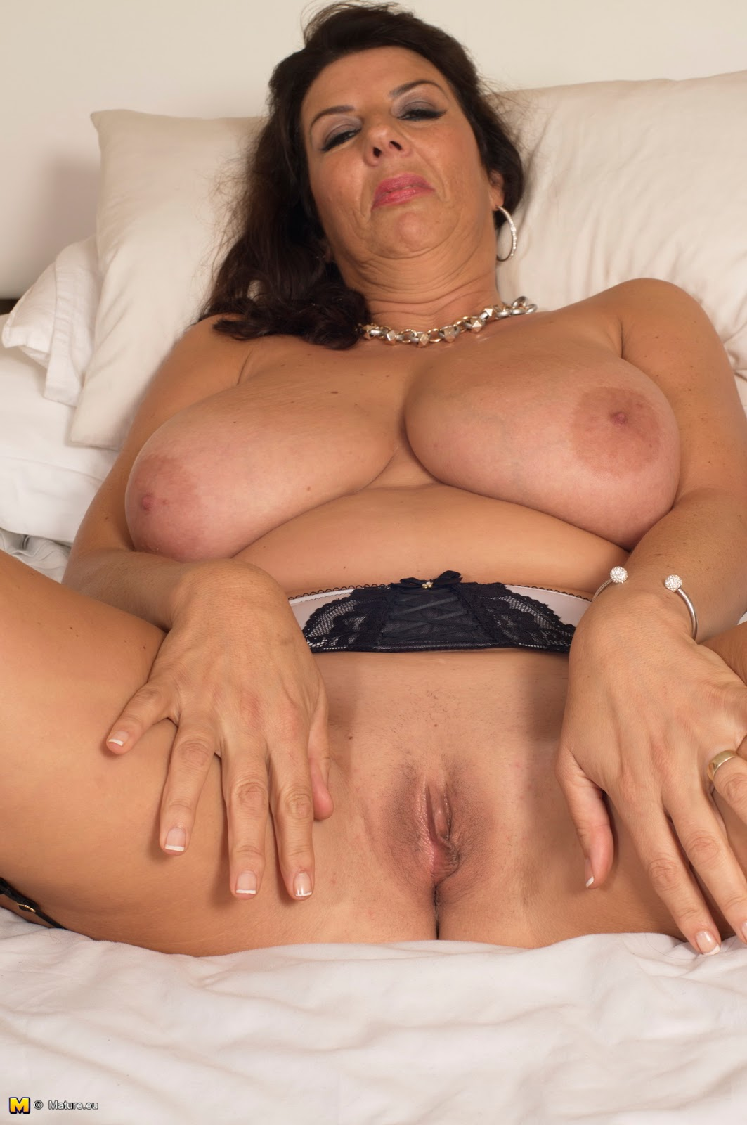 Nude zulu girls pics