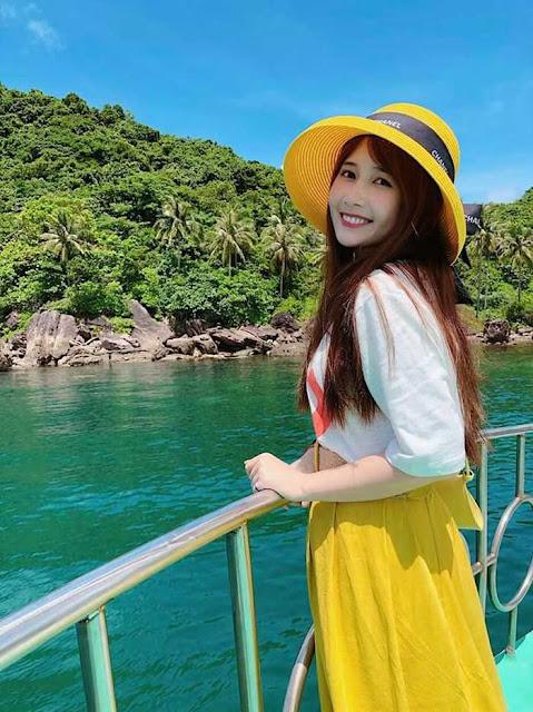"""Hóa ra đây chính là lý do hot girl FAPtv Mai Quỳnh Anh """"trói chân"""" được streamer triệu view Cris Phan"""