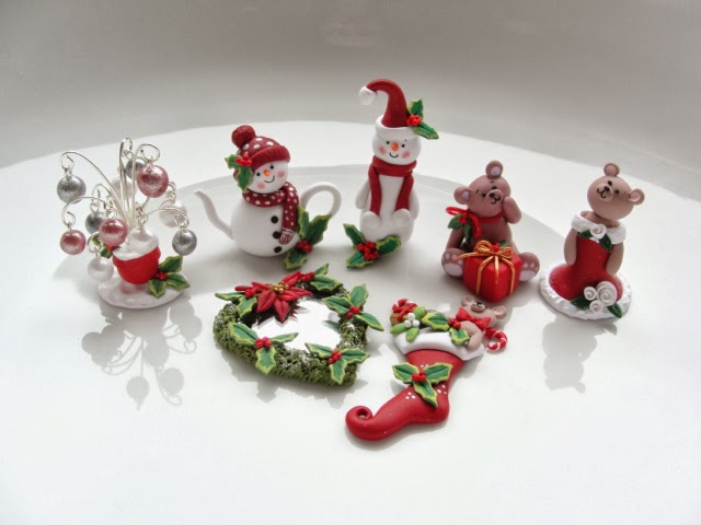 Christmas Miniatures.Miniatures By Fizzy Twelfth Scale Dollhouse Christmas