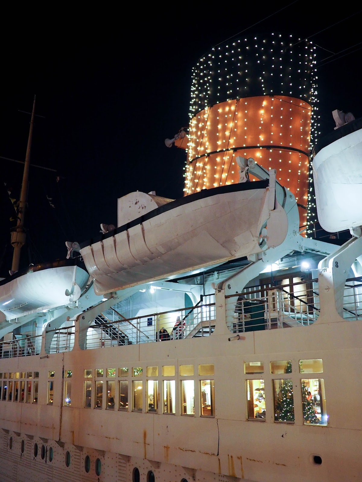 Inside A Cruise Ship Engine Room: Little Hiccups: The Queen Mary