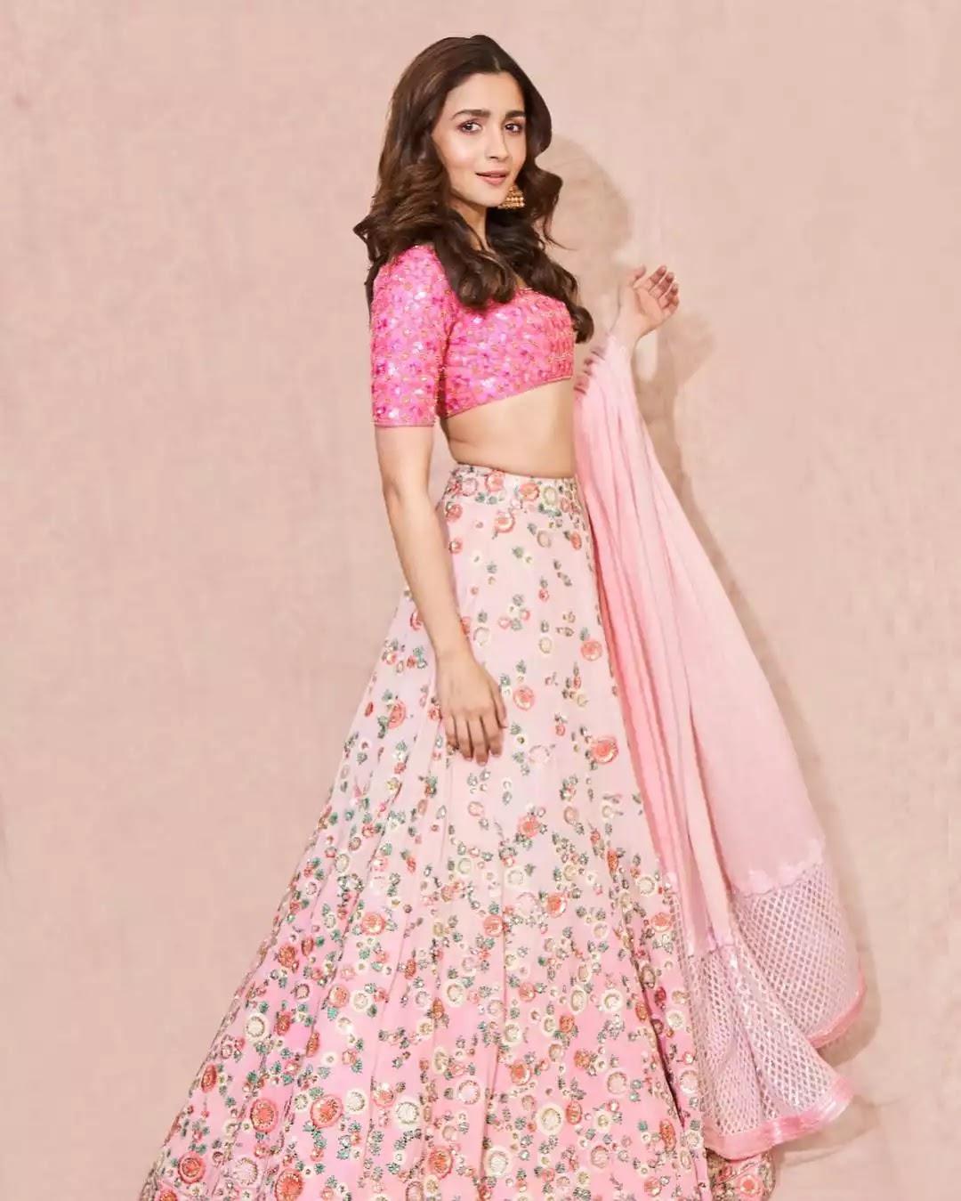 alia-bhatt-in-pink-lehenga