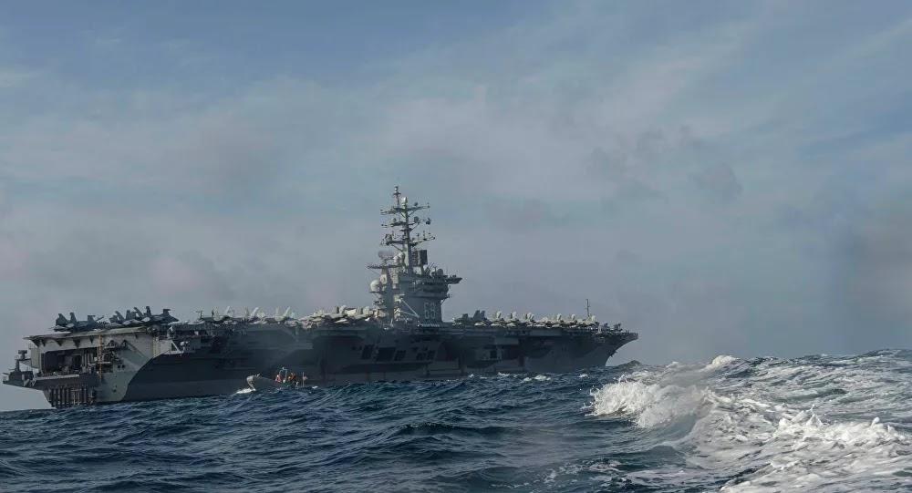 إعلام: حاملة طائرات أمريكية نفذت غارات جوية وقت إغلاق قناة السويس