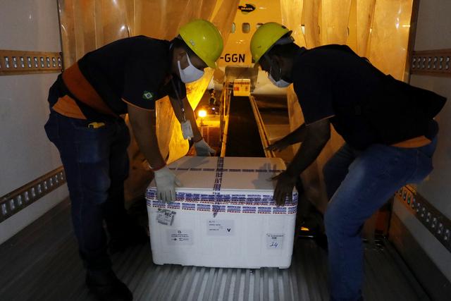 Pernambuco recebe mais 310 mil doses de vacinas da Astrazeneca/Fiocruz