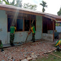 Prajurit TNI Yonif 411 Kostrad Renovasi SD Inpres Rawa Biru Perbatasan RI-PNG