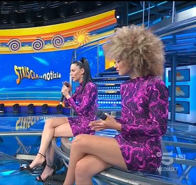 veline Shaila e Mikaela outfit abbigliamento vestiti Striscia La Notizia 12 giugno ultima puntata