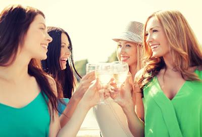 מסיבת רווקות בקיץ