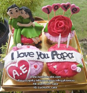 Cupcake Ulang Tahun Pasangan Romantis