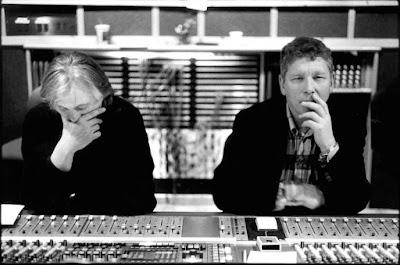 Manfred Eicher y Jan Erik Kongshaug durante una grabación en 1996.