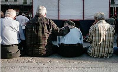 Πιθανή η αύξηση των ορίων ηλικίας συνταξιοδότησης στα 72 έτη