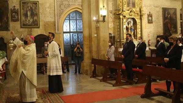 El obispo de Córdoba felicita a las cofradías