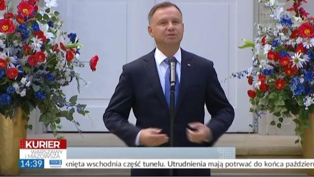 Bukiety patriotyczne od tenDOM.pl na otwarciu Centrum Folkloru Polskiego