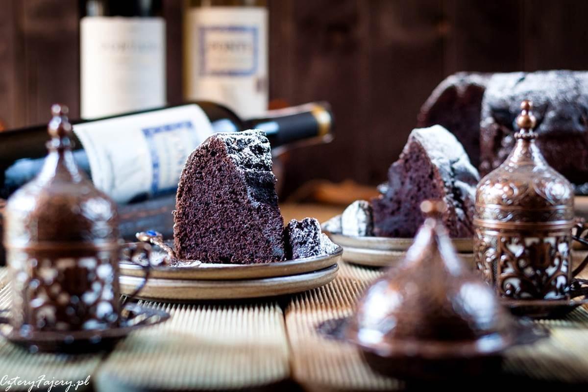 ciasto-czekoladowe-z-czerwonym-winem