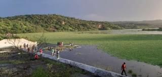 Açude de Caraibeiras, em Picuí, volta a transbordar depois de 12 anos