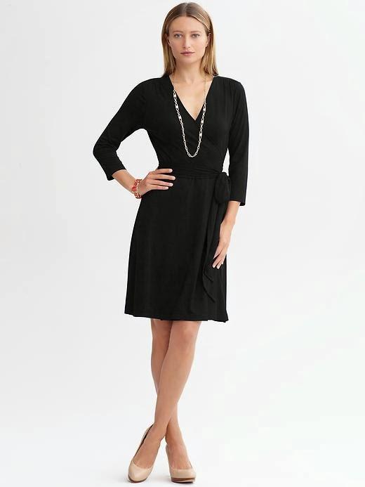 3273395a3f802 Tamamı 2014 siyah elbise modellerinden oluşan bu şık koleksiyonda, kısa  siyah elbiseler, uzun siyah elbiseler, pileli elbise modelleri, kemerli  modeller yer ...