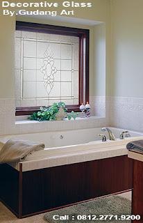 Dekoratif+Kaca+patri+Kamar+mandi