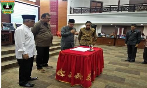 Wakil Gubernur Nasrul Abit : Perda  Perlindungan Konsumen Hendaknya Dapat laksanakan  Kewenangan Pemerintah