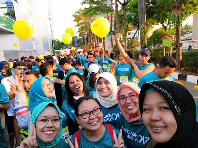 Mengikuti ajang lari fun run seperti Healthies Run 5 KM  bersama  teman bisa menambah semangat agar menyelesaikan rute dan jarak tempuh. #Jangan mager untuk membuat tubuh sehat (dok. windhu)