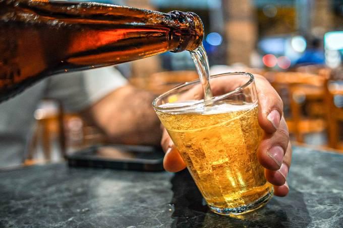 Ser humano já consome plástico até na cerveja