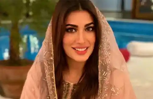 Mehwish Hayat is urging the government to cancel Examsin Covid-19's third wave