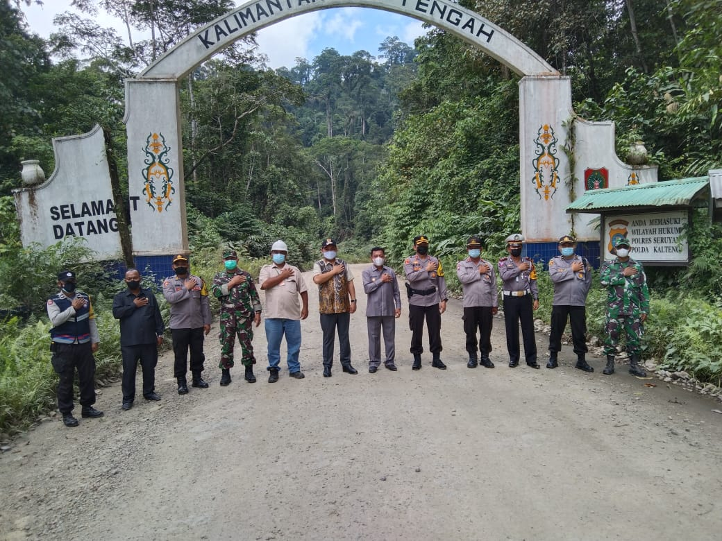 Bupati Melawi Tinjau Pos Perbatasan Kalbar dan Kalteng di KM 80.