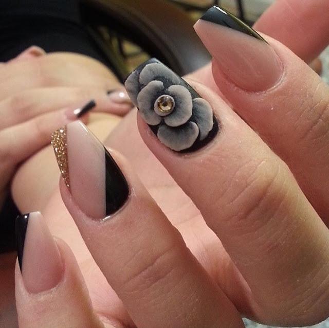 Black Design Nail
