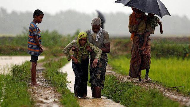 Derita Umat Islam Rohingya: Militer Menyuruh Kami Masuk Rumah, Lalu Dilempari Bom