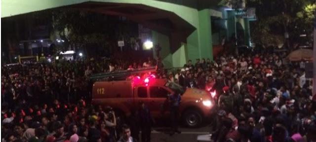 Tragedi Surabaya Membara, Murid SD Tewas, Ibunya Patah Tulang