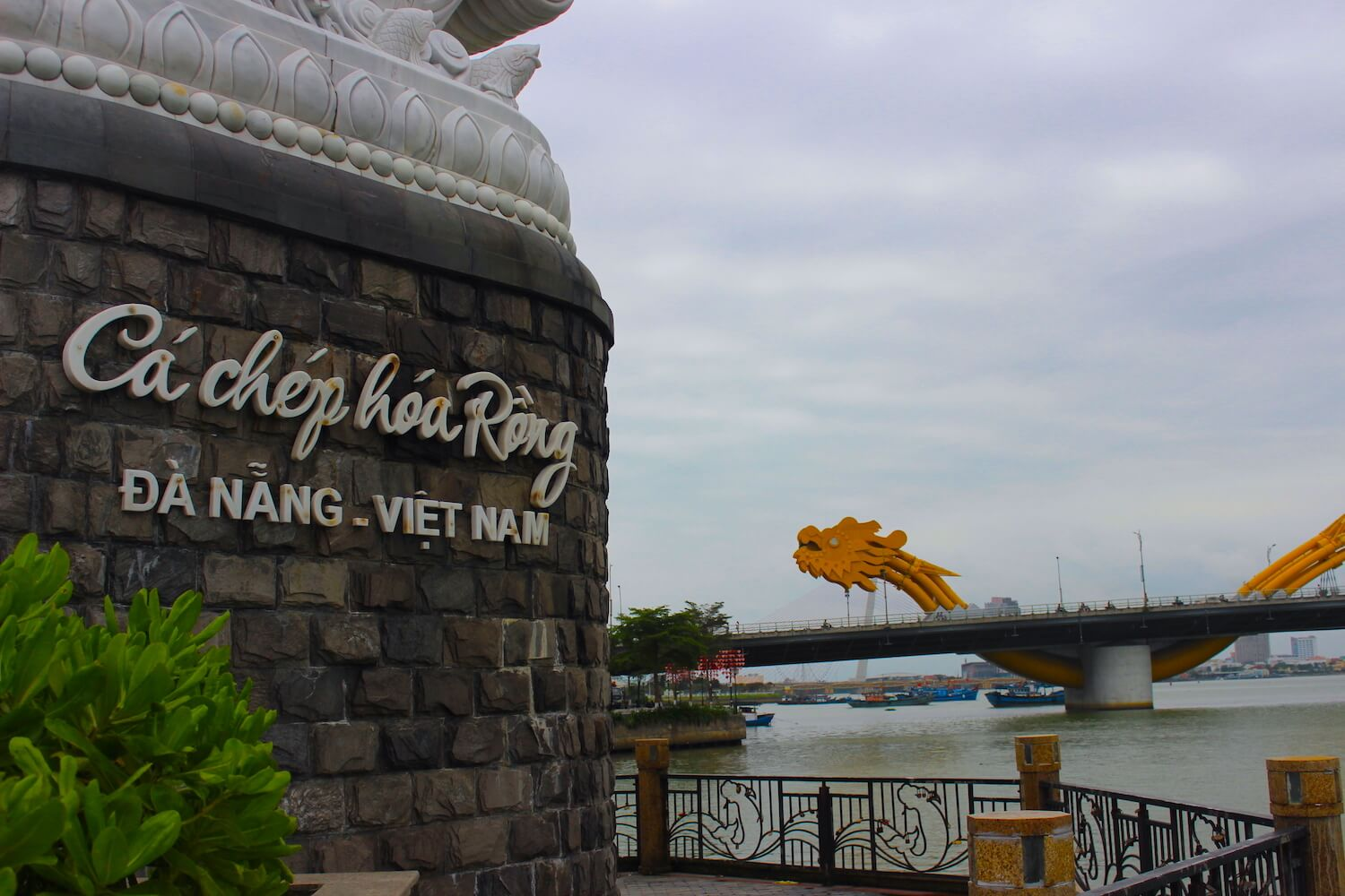 da nang dragon bridge and statue