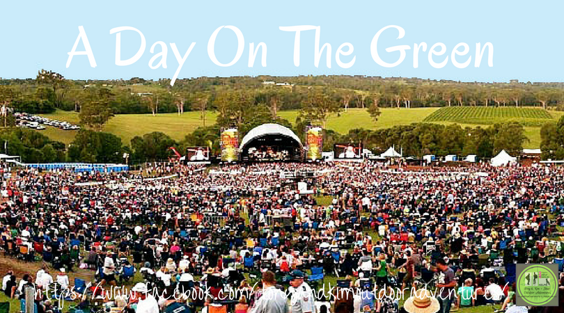 PICNIC AT THE DAY ON THE GREEN, SIRROMET  WINES. QUEENSLAND