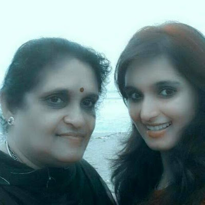 Kavya Shastry  with her Mother