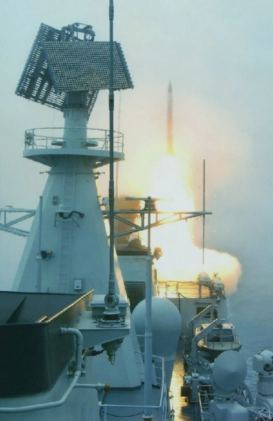 HHQ-9+is+equipped+in+the+PLAN+Type+052C+Lanzhou+class+destroyer+in+VLS+launch+tubes+%25283%2529.jpg