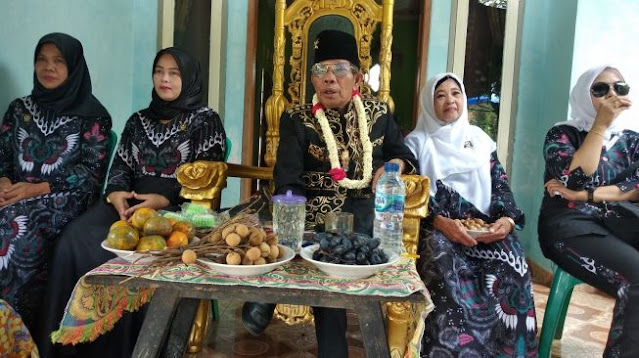 Kontroversi Iskandar Jamaludin Firdos Klaim Raja Kerajaan Angling Darma Berujung Bantahan