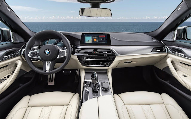 BMW M550i xDrive 2018 - interior