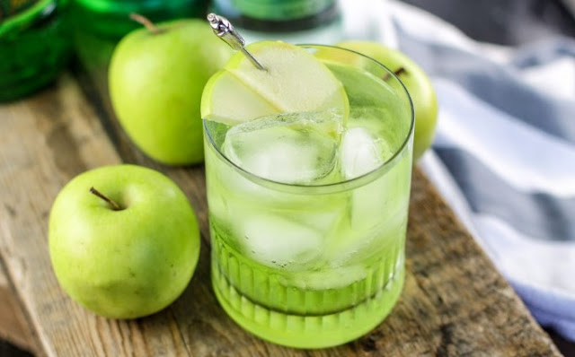 Sour Apple Tequila Cocktail #drinks #cocktails