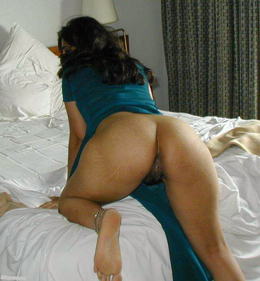 nude saree ass aunty