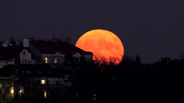 shalat gerhana bulan