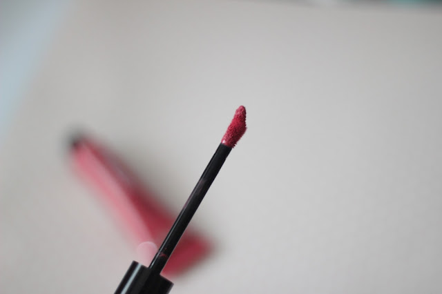 photo-lip-paint-loreal-paris-matte-laquer-vinilo-pintalabios-liquido-sube-el-tono