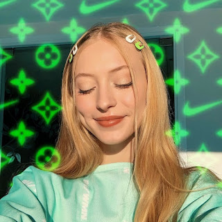 Sophia Diamond Bio