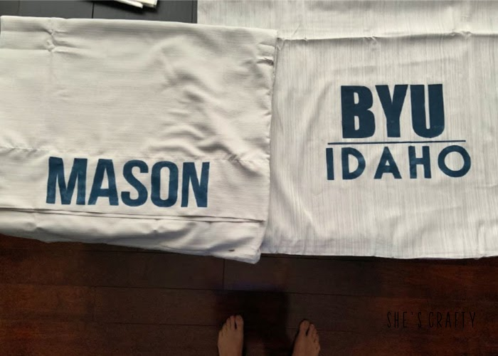how to make a personalized pillow case with a stencil