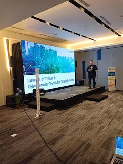 Presentasi PRTG di Seminar APTIKNAS IoT and CyberSecurity
