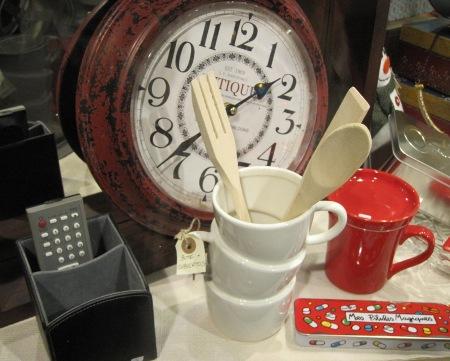 Bote cubiertos, portamandos, reloj antique