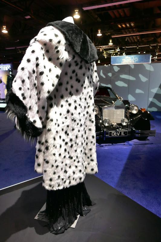 Once Upon a Time Cruella de Vil costume car